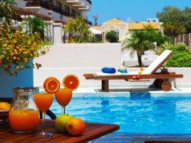 Греция - изысканное семейное гостеприимство с BOMO CLUB!