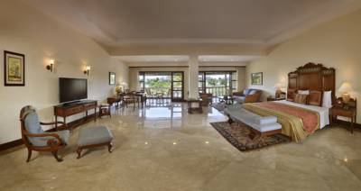 THE LALIT GOLF AND SPA RESORT 5*